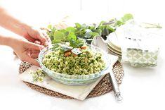 Me encantan las mezcla ricas para preparar ensaladas que van más allá de la simple lechuga. ¿Te apetece algo diferente? Prueba esta ensalada y además úsala cuando quieras como guarnición