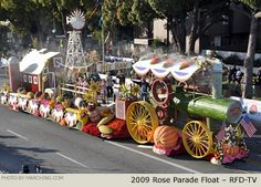 RFD Rose Float marching.com | Rose Parade Float Photo - RFD-TV Tournament of Roses Parade Float 2009