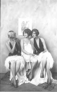 (Circa 1920's) twenties flapper girls feathers (bird girls)