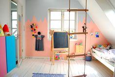 Mor til MERNEE: Kids room with climbing ladder