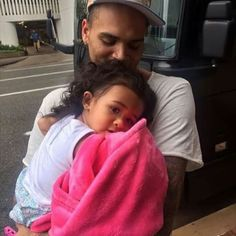 This gives me life #teambreezy n #teamroyalty ♡♡