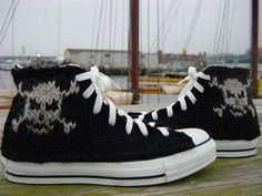 hand-knitted converse 07