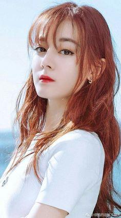 Beautiful Chinese Girl, Very Beautiful Woman, Beautiful Asian Women, Girl Pictures, Girl Photos, Girls With Red Hair, Cute Girl Photo, China Girl, Asian Celebrities