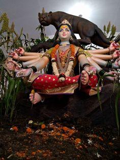 Durga Ji, Kali Ma, Mata Rani, Clay Wall Art, Shiva Shakti, Lord Vishnu, Gods And Goddesses, Wonder Woman, Princess Zelda