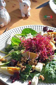 Kolorowa sałatka ze szpinakiem, jajkiem, fetą, burakiem i orzechami włoskimi – Eat Me Fit Me! :) Seaweed Salad, Feta, Chicken, Ethnic Recipes, Cubs