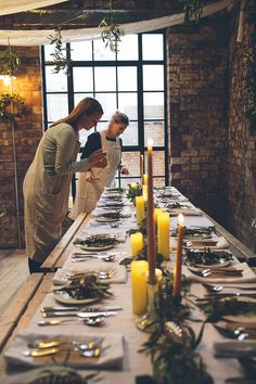 Dressing The Table   Seasonal Supper with friends. Styling by Hannah Bullivant. Photo by Xanthe Berkeley.