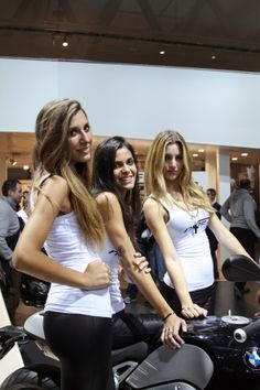 EICMA BMW girls