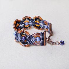 Micro macrame bracelet - Blue Orange
