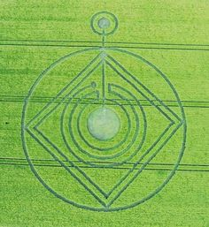 All Crop Circles : The 2014 Season ! by Psychedelic Adventure Crop Circle at Buckle Street near Pebworth, Worcestershire, United Kingdom. Reported on the 26th of May 2014.