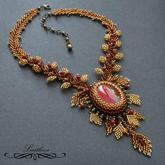 Autumn necklace by Luuthien (Lucy Avramov)