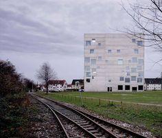 Zollverein School of Management and Design. Essen, Germany 2003. Kazuyo Sejima and Ryue Nishizawa/ SANAA.  Photograph by Hisao Suzuki.