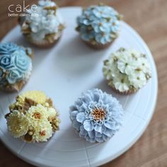 . . Student work - Butter cream flower cup cakes . . (베러 정규클래스/Regular class) www.better-cakes.com  Any inquiries about BETTER CLASS, Plz contact me through LINE or Email. Mailbettercakes@naver.com Linebetter_cake FacebookBetter Cake Kakaotalkbettercake  #buttercream#cake#베이킹#baking#bettercake#like#버터크림케익#베러케이크#cupcake#flower#꽃#sweet#플라워케익#koreabuttercream#wilton#앙금플라워#디저트#buttercreamcake#dessert#버터크림플라워케이크#follow#떡케익#koreancake#beautiful#윌튼#instacake#꽃스타그램#앙금플라워떡케익#instafoo...