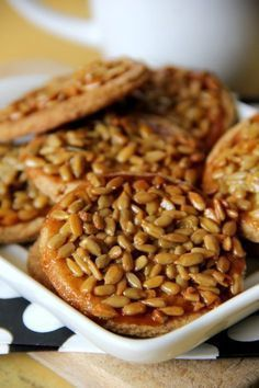 Kruche ciasteczka ze słonecznikiem Cookie Desserts, Cookie Recipes, Snack Recipes, Sweet Little Things, My Dessert, Baking And Pastry, Happy Foods, Healthy Sweets, Love Food