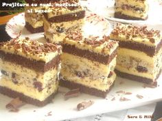 Prajitura cu nuci, merisoare si bezea Romanian Desserts, Romanian Food, Sweets Recipes, Cake Recipes, Cooking Recipes, Sweet Treats, Cheesecakes, Food And Drink, Yummy Food