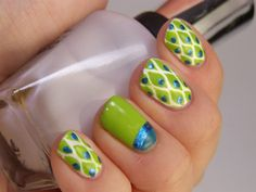 Pretty nail designs for short nails - more here!