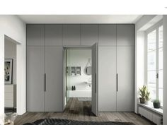 Storage around the door into the bathroom Bedroom Cupboard Designs, Wardrobe Design Bedroom, Bedroom Cupboards, Master Bedroom Closet, Dispositions Chambre, Secret Rooms, Wardrobe Doors, Bedroom Layouts, Home Interior Design