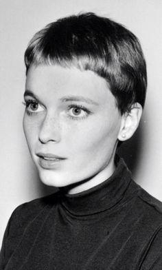 Mia Farrow. Vidal Sassoon famous haircut.