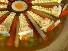 Zöldség kocsonya, tojáskrémmel töltve. How To Make Cake, Ale, Dishes, Chicken, Recipes, Food Ideas, Finger, Tablewares, Fingers