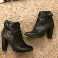 Black ankle strap booties Super cool black ankle strap booties are the perfect staple for any wardrobe! Purchased from another posher but they were a bit too high for me! A few minor scuds but nothing noticeable. In great condition! Shoes Ankle Boots & Booties