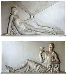 Claudius LINOSSIER (1893-1953)  Importante paire de bas-reliefs sculptés en plâtre à patine argentée figurant Dionysos et une fileuse. Circa 1930. 180 x 280 cm Ces deux bas reliefs monumentaux furent réalisées pour la Chambre de Commerce de Villefranche-Sur-Saône.