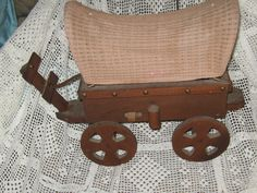 Vintage Covered Wagon Replica Wood Table Lamp