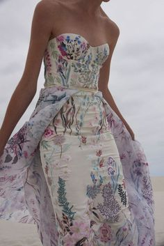 Abiti da sposa 2019: le tendenze moda dalle bridal week