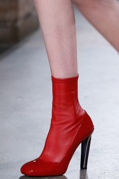 Alexander McQueen Fall 2015 Ready-to-Wear - Collection - Gallery - Style.co