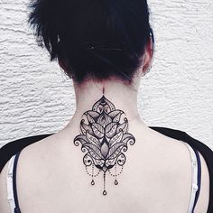 http://tattoomagz.com/tattoos-by-jessica-svartvit/gorgeous-back-tattoo-by-jessica-svartvit/