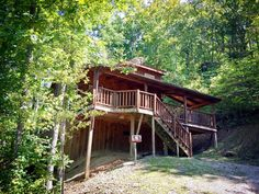 Avoid large crowds and stay in your own private cabin! We are sanitizing our little hearts out for your safety! Red River Gorge, Park Resorts, Natural Bridge, Central Heating, Cabin Rentals, Southern Belle, Weekend Getaways, State Parks, Flat Screen