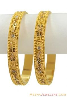 Indian Gold Bangles - - Gold filigree bangles with diamond cuts, polki type stone and meenakari paint. Gold Bangles Design, Gold Jewellery Design, Bangle Set, Bangle Bracelets, Gold Fashion, Women's Fashion, Necklace Set, Gold Necklace, Hand Jewelry