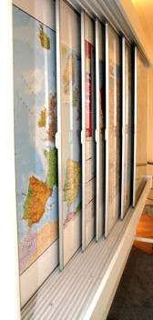 Wall Mounted Sliding Display Map System / Wall Map Rack For 06 Map Boards sample