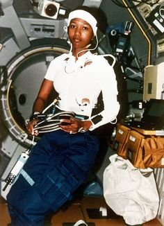 31 Remarkable Women Who Changed The World Valentina Tereshkova, African American Studies, African American History, Black History Facts, Black History Month, History Pics, Great Women, Amazing Women, Culture Club