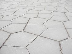 Paving detail (Erlentor_Basel-by-Westpol)