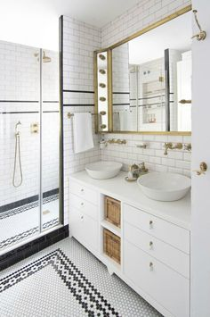 Is your home in need of a bathroom remodel? Give your bathroom design a boost with a little planning and our inspirational small bathroom remodel ideas. White Bathroom Designs, Tile Design Pattern, Bathroom Interior, Black Bathroom, Bathroom Floor Tile Patterns, Apartment Decorating Rental, Bathroom Design, Bathroom Flooring, Tile Bathroom