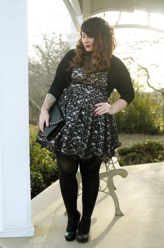 Black lace dress - uk plus size - the clueless girl's guide - outfit o Arduino, Fashion Models, Fashion Outfits, Dress Fashion, Chubby Fashion, Plus Size Girls, Plus Size Model, Looks Cool, Dresses Uk