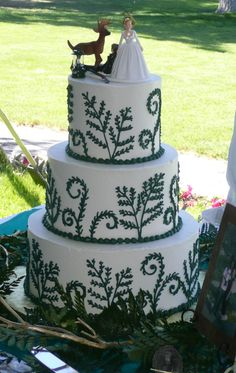 Forest Fern Wedding Cake