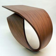 Pour répondre à une commande privée, le designer Pierre Renart a imaginé la série de mobilier Waimea. Des pièces de bois étonnantes qui jouent avec les courbes organiques et la noblesse des matériaux. ...