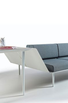 Tusch Seating - Longo - Desking Gallery