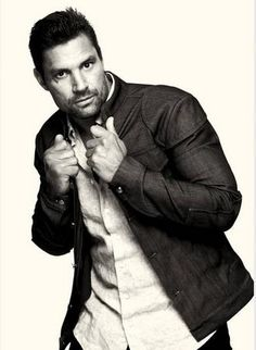 Manu Bennett...the white Orc leader in the Hobbit, and he's also in Arrow as my favorite character. I met him today at comic con and got an autograph! Yay!