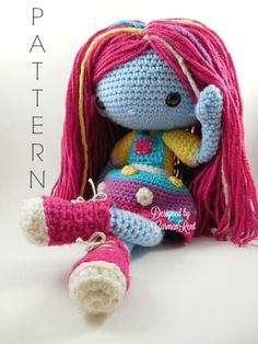 ATTENTION - Keep in mind that this is a crochet pattern in a  PDF. This is NOT the finished product. ----------------------------------------------------------------------------------------------------------- Luna Mae is the friendliest girl on her planet. She is an outgoing little