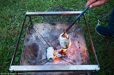 【費用は0円】ただの新聞紙でつくれる「紙薪」がまさに神アイテムだった|CAMP HACK[キャンプハック] Mint Tins, Bushcraft, Outdoor Camping, Life Hacks, Diy And Crafts, Picnic, Survival, Good Things, Outdoor Decor