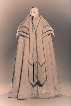 robe de mage médiéval fantastique - medieval fantasy mage gown www.vertugadins.com photographe : www.unjourdansletemps.com