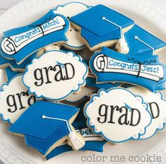 I want cookies like this for my graduation Fancy Cookies, Iced Cookies, Cute Cookies, Royal Icing Cookies, Cupcake Cookies, Sugar Cookies, Fondant Cookies, Graduation Treats, Graduation Cupcakes