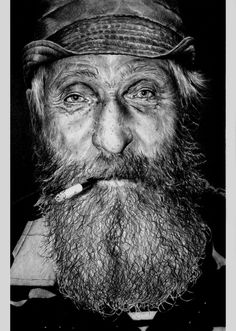 Old man precious face beard cigarette cap powerful intens eyes wrinckles lines of life cracks in time portrait photo b/w. Old Faces, Many Faces, Steve Mccurry, Eric Lafforgue, People Photography, Portrait Photography, People Smoking, Portraits, Interesting Faces