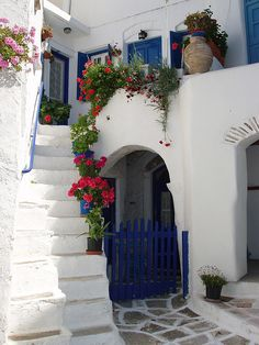 A cute corner in one of the villages of #Paros, #Greece #Grekland