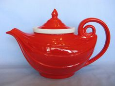 Hall Aladdin Teapot Chinese Red with White Infuser