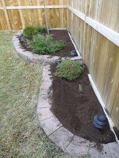 i love the corner flower bed! Garden Yard Ideas, Lawn And Garden, Garden Projects, Fence Garden, Corner Flower Bed, Flower Beds, Diy Flower, Landscaping With Rocks, Backyard Landscaping