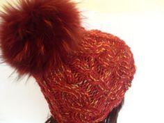 _+Im nettesten Sinne haarig,was es mit der echten Pelz-Bommel-Mütze hier für die Skipiste gibt!_+  Eine sehr hochwertige und außergewöhnliche Kopfbede