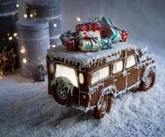 Best-Ever Christmas Recipes to Make This Holiday Season Cool Gingerbread Houses, Gingerbread House Designs, Christmas Gingerbread House, Christmas Treats, Gingerbread Cookies, Christmas Cookies, Christmas Decorations, Christmas Recipes, Holiday Recipes
