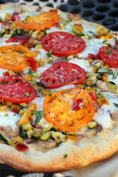 Summer Vegetable Pizza by ahintofhoney: Great for your garden tomatoes. #Pizza #Veggie